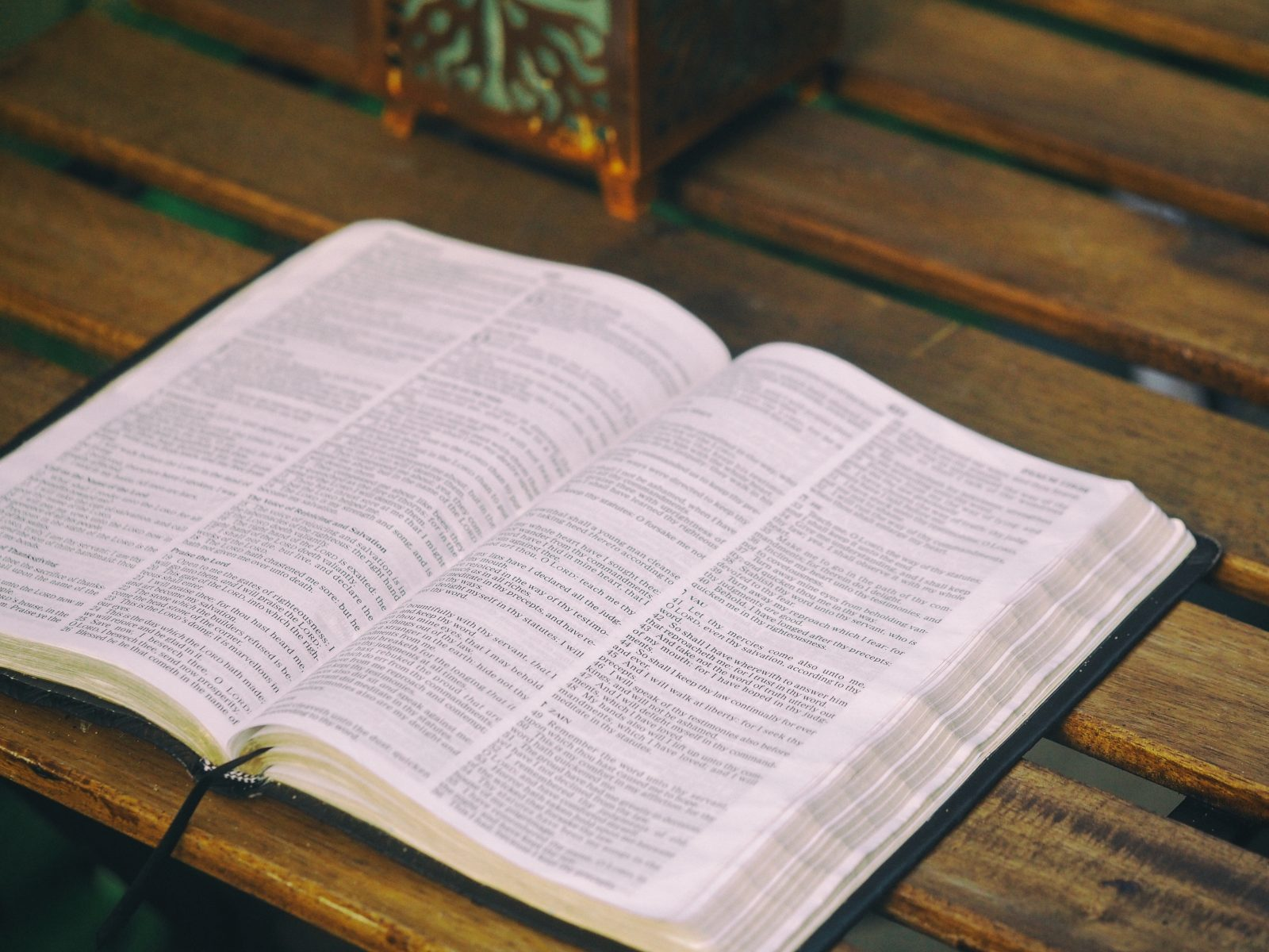 Studying the Bible by Themes